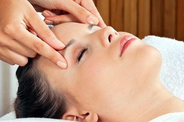 Natural  Facelift Rejuventating Massage Course Herts