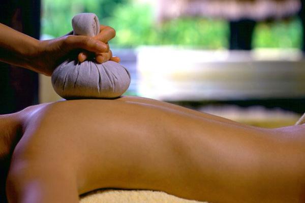 Thai Herbal Compress Massage Course Herts